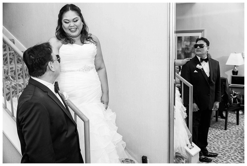 Bridal first look with dad